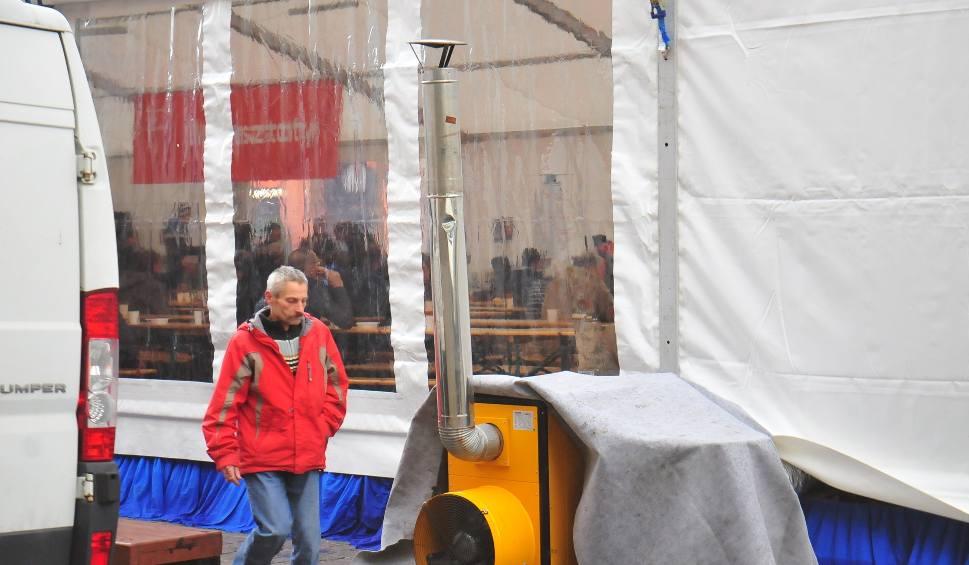 """Film do artykułu: """"Namiot Spotkań"""" stanął na Małym Rynku w Krakowie"""