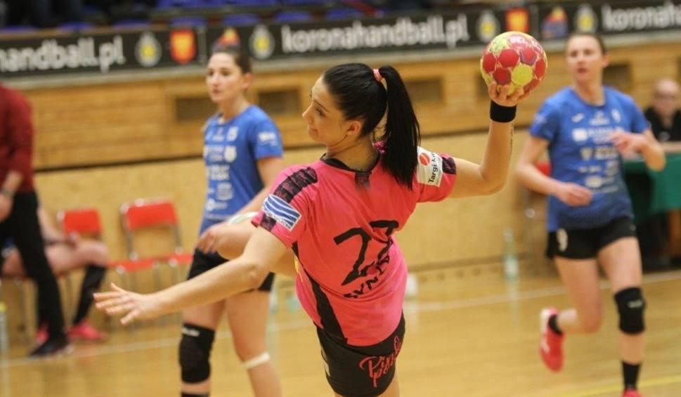 Film do artykułu: PGNiG Superliga piłkarek ręcznych. Trzecia z rzędu wygrana Korony Handball Kielce [VIDEO]