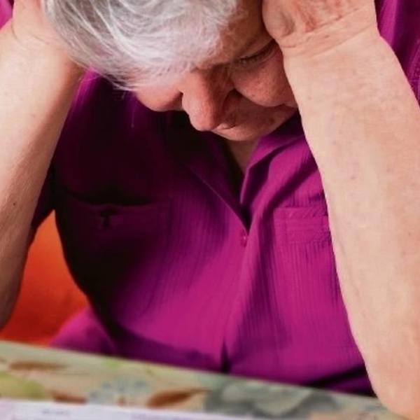 Komornicy nachodzą emerytów i wykorzystują stary przepis. Chodzi o Pocztę Polską i zapłatę za abonament RTV