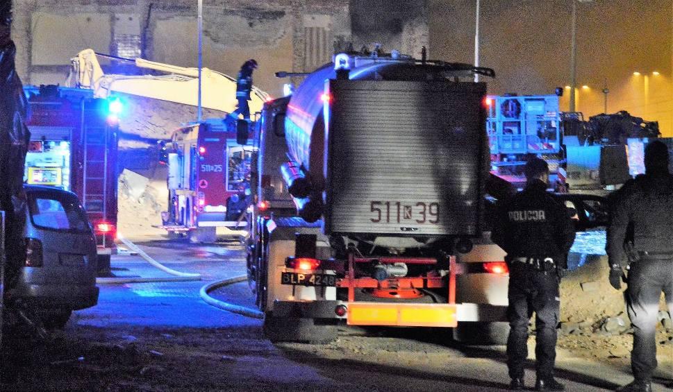 Film do artykułu: Oświęcim. Pożar dworca kolejowego. Trwa dogaszanie budynku [WIDEO, NOWE ZDJĘCIA]