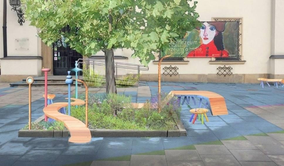 Film do artykułu: Kraków. Teren wokół drzewka zmienił się w plac zabaw