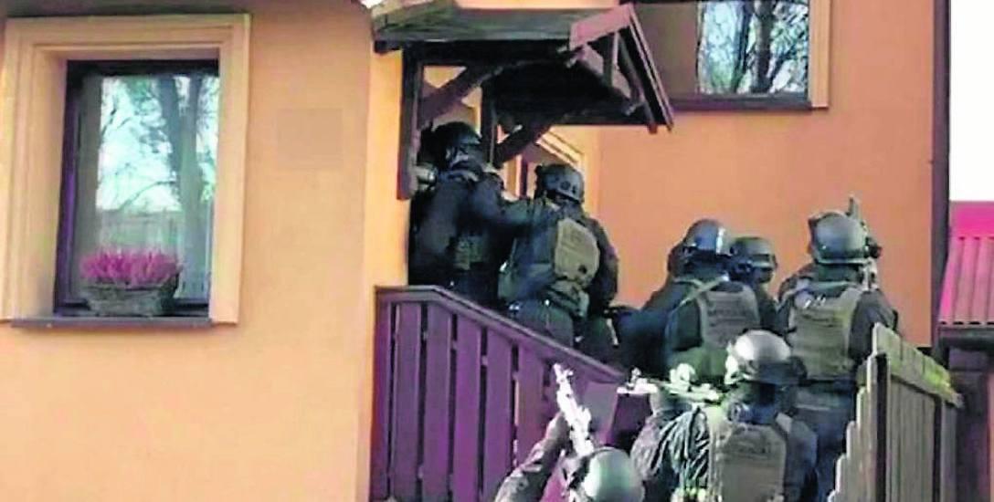 Porywacze zostali złapani dzięki wysiłkom policjantów z CBŚP i komendy wojewódzkiej policji