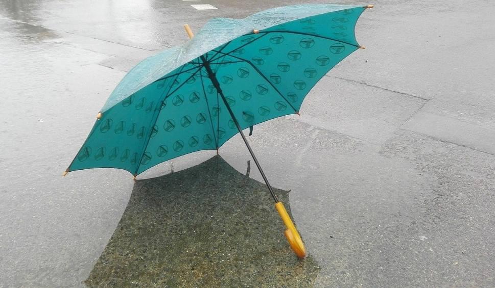Film do artykułu: To nie będzie przyjemna sobota. Będzie chłodno. Będzie padało. Możliwe są też burze [PROGNOZA POGODY]