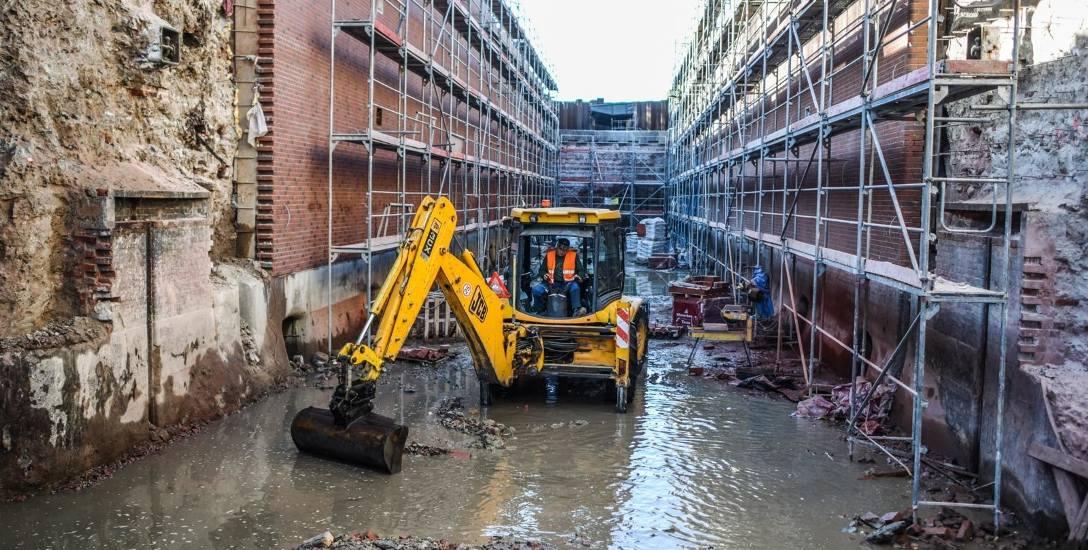 Trwający remont śluzy numer 3 - Okole na Kanale Bydgoskim ma zostać zakończony do 28 lutego przyszłego roku. Podobny zakres robót trzeba będzie wykonać