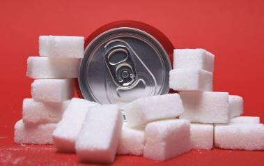 Zdaniem ekspertów walkę z nadwagą oraz otyłością społeczeństwa można wygrać przy użyciu innych, bardziej skutecznych narzędzi.