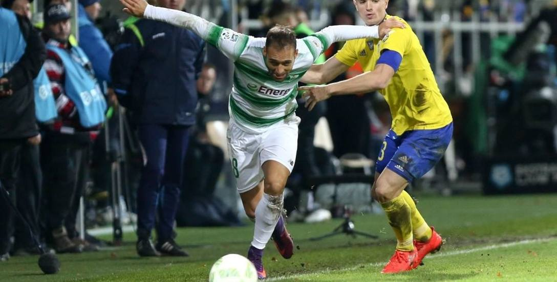 Lotto Ekstraklasa. Mecz piłki nożnej Lechia Gdańsk vs Arka Gdynia 30.10.2016. Na zdjęciu Flavio Paixao