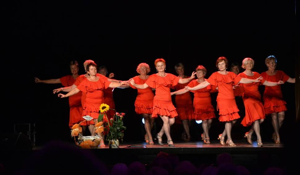 Film do artykułu: W Żorach słuchacze UTW zakończyli rok akademicki - pochwalili się śpiewem i tańcem! ZDJĘCIA