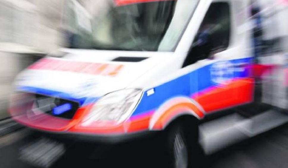 Film do artykułu: JASIEŃ. Tragiczny wypadek. Motocyklista zderzył się z samochodem osobowym. Nie żyje kierowca jednośladu