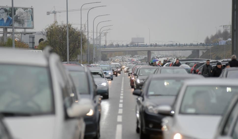 Film do artykułu: Utrudnienia na drogach dla kierowców w województwie zachodniopomorskim. Zobacz szczegóły!