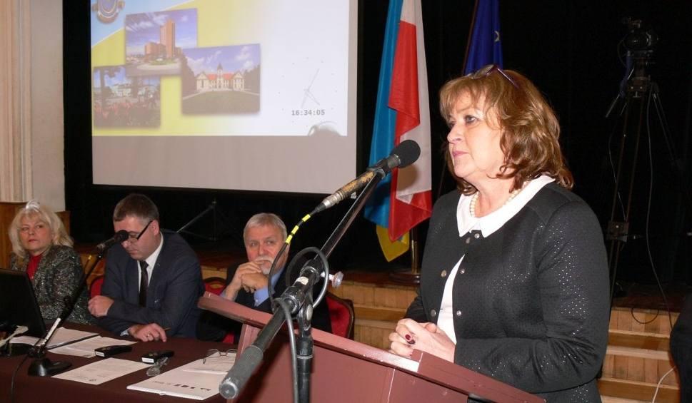 Film do artykułu: W Tarnobrzegu nie ma miejsca na kolejną szkołę podstawową i publiczne liceum
