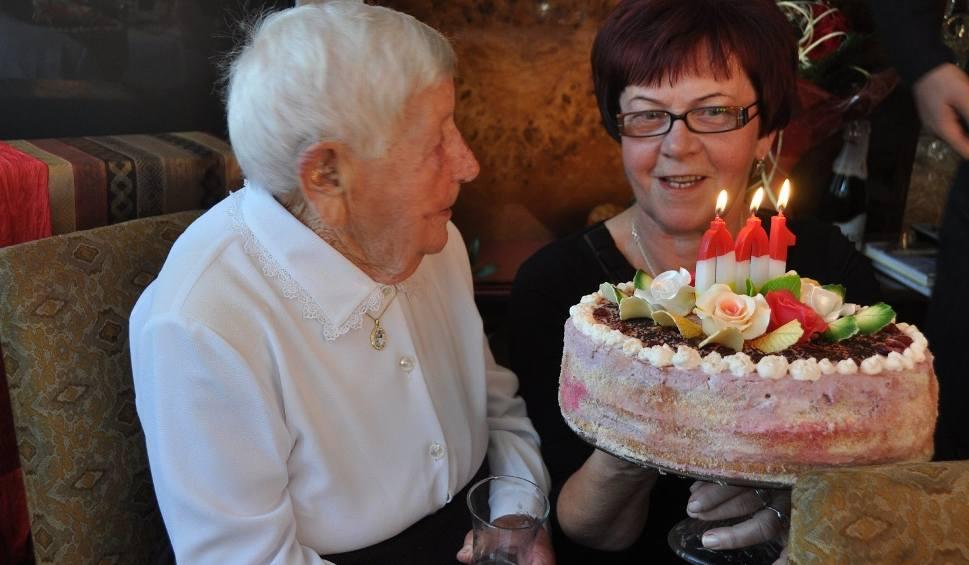 Film do artykułu: Zmarła 104-letnia Anna Chrabąszcz. Była najstarszą mieszkanką miasta i gminy Końskie