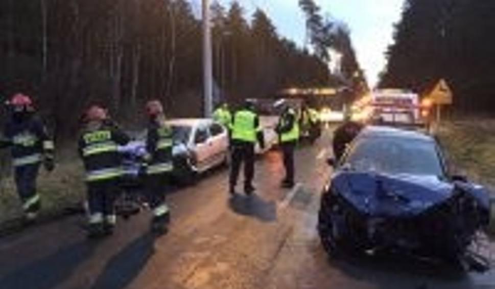 Film do artykułu: Wypadek w Jaworznie na Ciężkowickiej: 3 osoby zostały ranne ZDJĘCIA