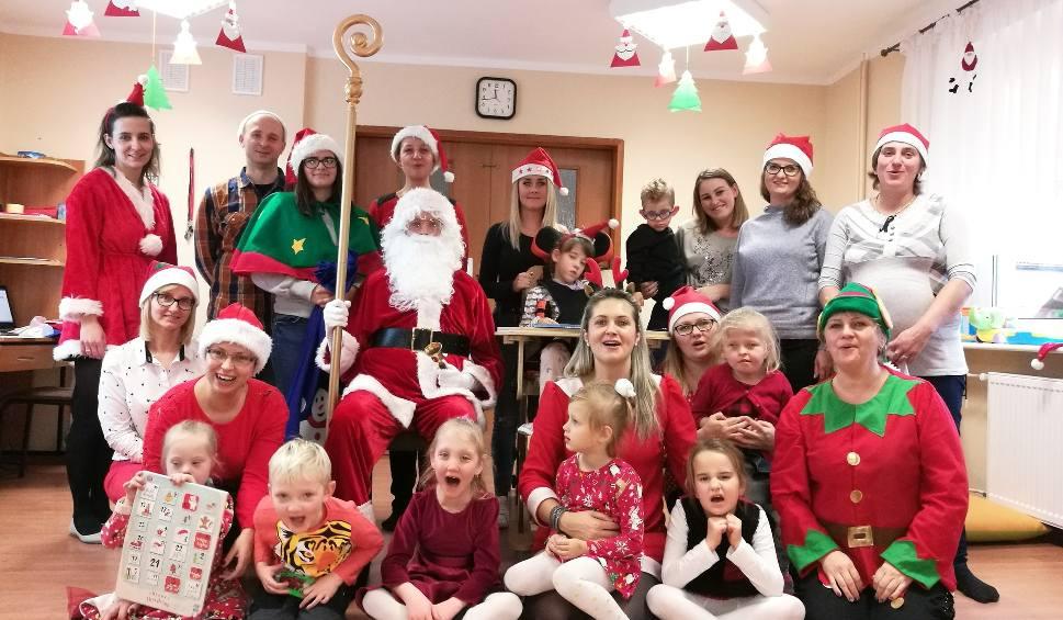 Film do artykułu: Święty Mikołaj odwiedził dzieci z ośrodka dla niepełnosprawnych w Sławnie