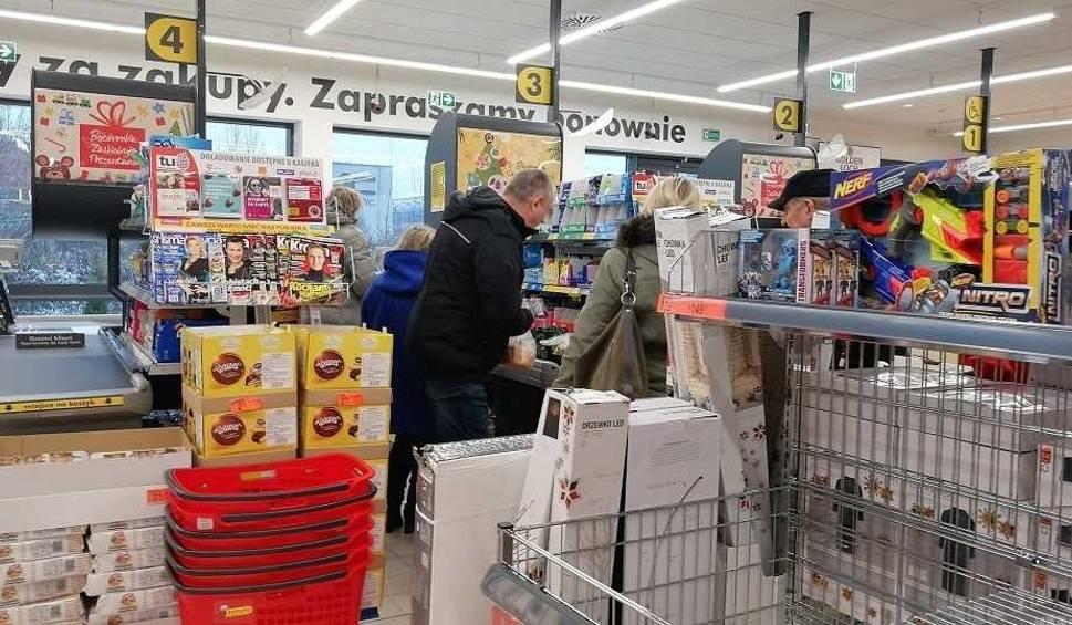 """Film do artykułu: Lidl i Biedronka przed Wielkanocą: """"Nie ma ruchu"""". Wszystko przez luksusowy towar... [21.04.2019 r.]"""