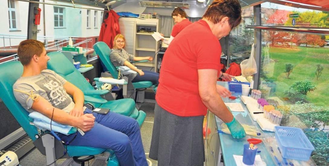 RCKiK w Szczecinie dysponuje tzw. krwiobusem, czyli mobilnym punktem poboru krwi, ale - jak nas zapewniono - nie oznacza to, że stacjonarne stacje będą