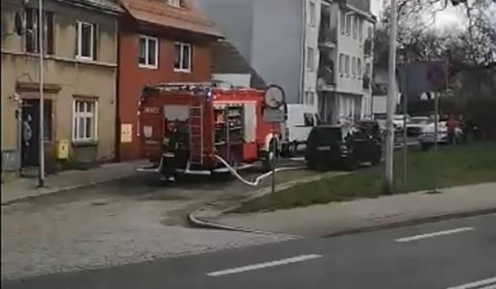 Film do artykułu: Pożar samochodu terenowego w Zielonej Górze [FILM CZYTELNIKA]