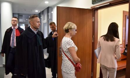 Anna F. (obecnie na emeryturze) przed sądem nie przyznała się do winy. Nie chciała też składać wyjaśnień