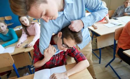 Nie ma szkoły bez przemocy, czyli dlaczego dzieci się biją? Rozmowa z psychologiem i pedagogiem o przemocy uczniów w szkole