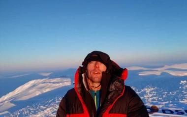 Góry pasjonują pana Dariusza. Zdobył Koronę Gór Polski, wszedł na najwyższe szczyty Alp. Na zdjęciu: na Newtontoppen