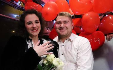 Damian i Natalia zaręczyli się w walentynkowym tramwaju MPK.