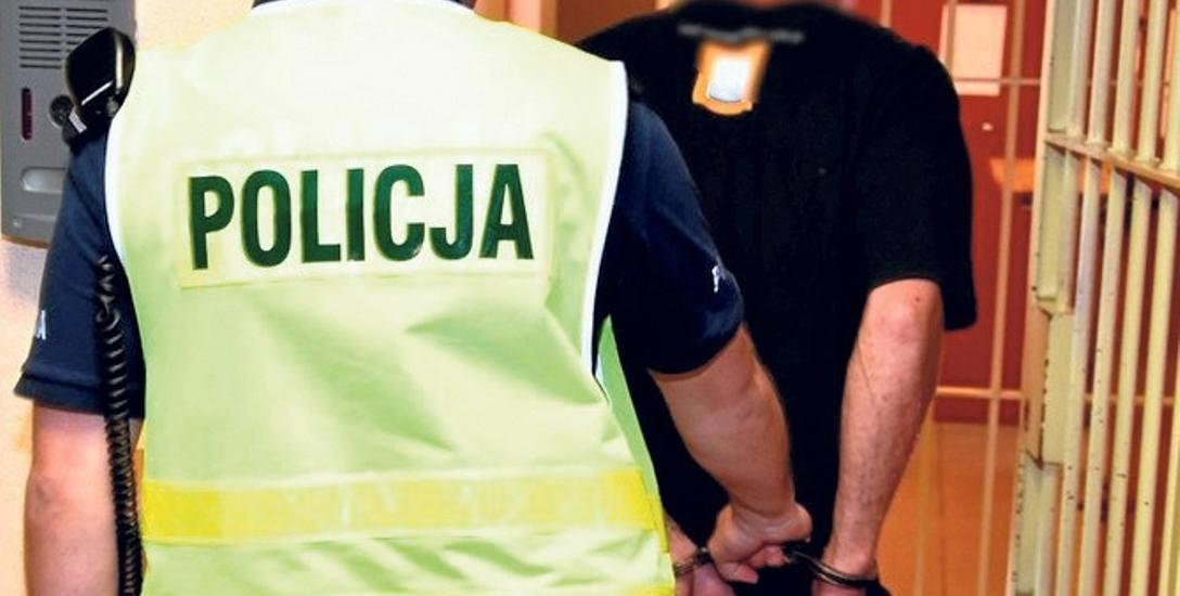 Policjanci ze Starogardu Gdańskiego zatrzymali mężczyznę, który obrabował przebywającą w kościele kobietę