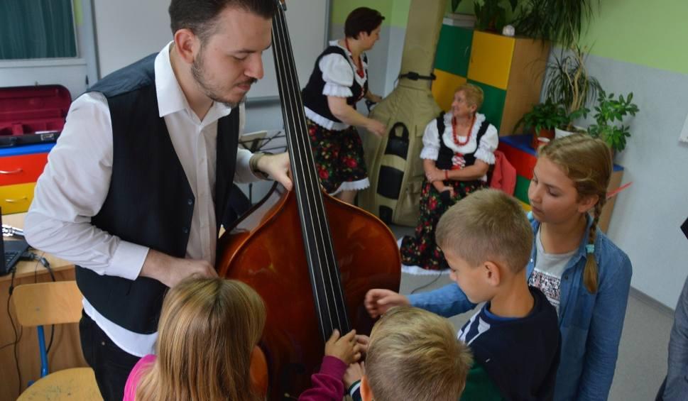 Film do artykułu: Dzień Muzyki w szkole w Mąkoszycach