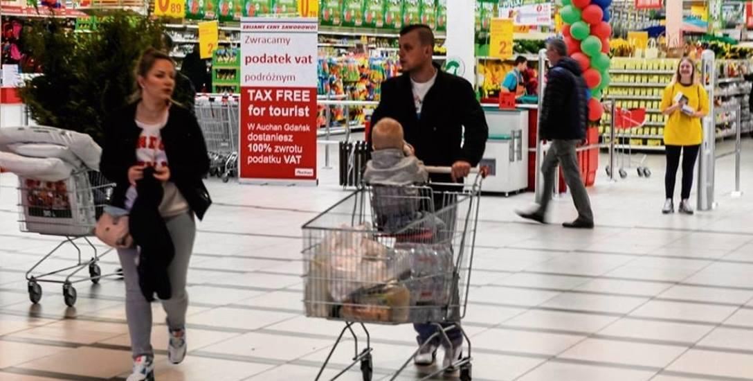 Na markety padł blady strach, pracownicy wolą 500 plus