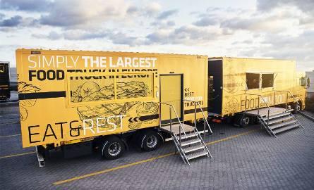 Food truck ma 19 metrów wysokości, 4 wysokości, 2,6 m szerokości i waży 20 ton.