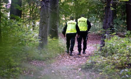Bandyci pobili i okradli 33-latka. Zostawili go w lesie. Po dwóch dniach trafili do aresztu