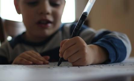 Rzecznik praw dziecka: Za dużo zadań domowych w szkołach