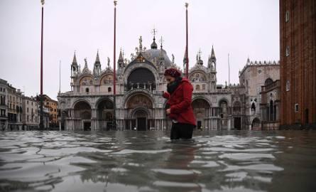 Włochy: Wenecja znów pod wodą, dramatyczna sytuacja, ofiary śmiertelne [ZDJĘCIA] Burmistrz: Ta powódź pozostawi trwały ślad [WIDEO]