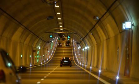 W marcu 2016 r. otwarto tunel pod Martwą Wisłą w Gdańsku. Całkowity koszt wyniósł 1,450 mld, z czego 1,150 mld pochodziło z UE. Gdańsk dopłacił jedynie
