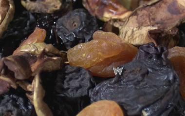 Cenne właściwości suszonych owoców. Dlaczego warto je jeść?