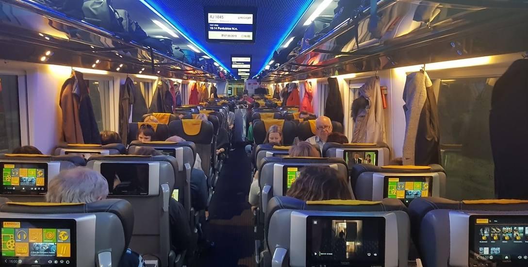 Czesi mają prywatne pociągi. Bilety tańsze niż w Polsce, a jaki luksus