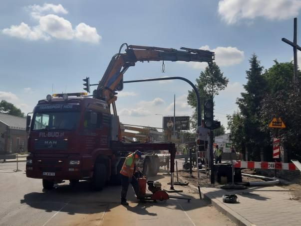 Od 24 czerwca remontowany będzie przejazd kolejowy na ul. Rokicińskiej przy ul. Wieńcowej. Ruszy też remont ul. Rokicińskiej na krótkim odcinku Kronikarska