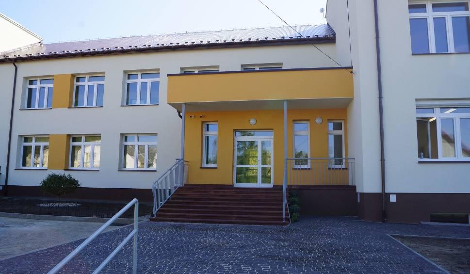 Film do artykułu: Szkoła w Polichnie oddana do użytku. Przeszła gruntowną termomodernizację  i remont