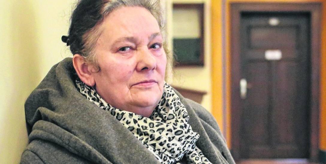 63-letnia Zofia Ferenc twierdzi, że choć po obietnicy pomocy w udzieleniu kredytu hipotecznego otrzymała niespełna 50 tys. zł pożyczki, to przez brak