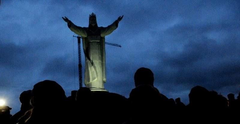 Największy na świecie pomnik Chrystusa Króla w Świebodzinie już stoi