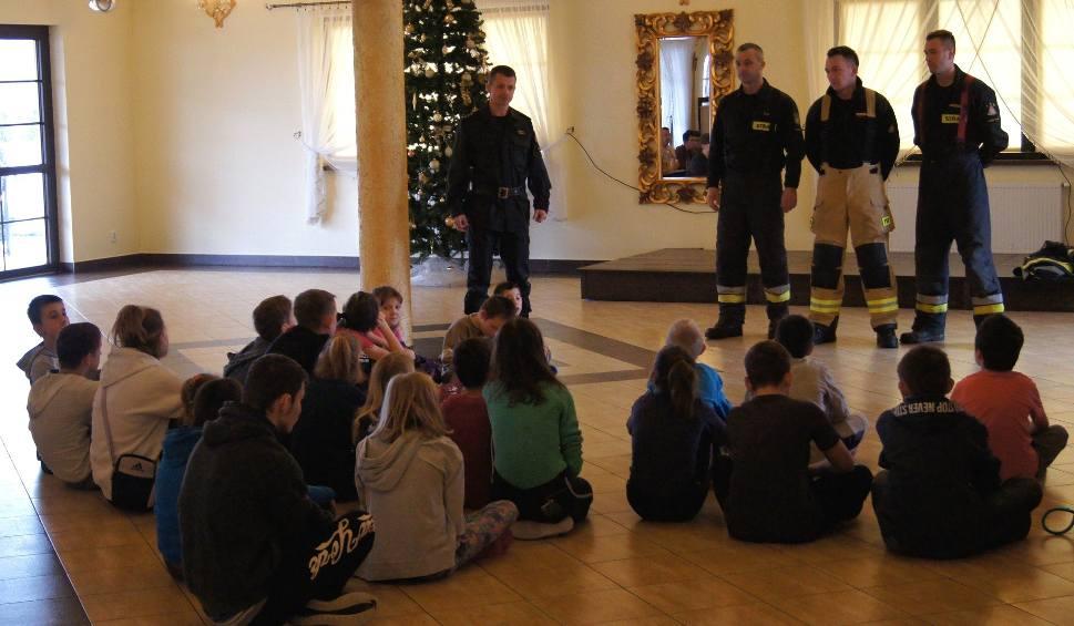 Film do artykułu: Ferie w Euforii. Kazimierscy strażacy rozmawiali z dziećmi o bezpieczeństwie [ZDJĘCIA]
