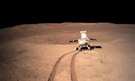 Chiński łazik Czang'e 4 jest pierwszym w historii pojazdem kosmicznym, który wylądował na niewidocznej z Ziemi półkuli Księżyca