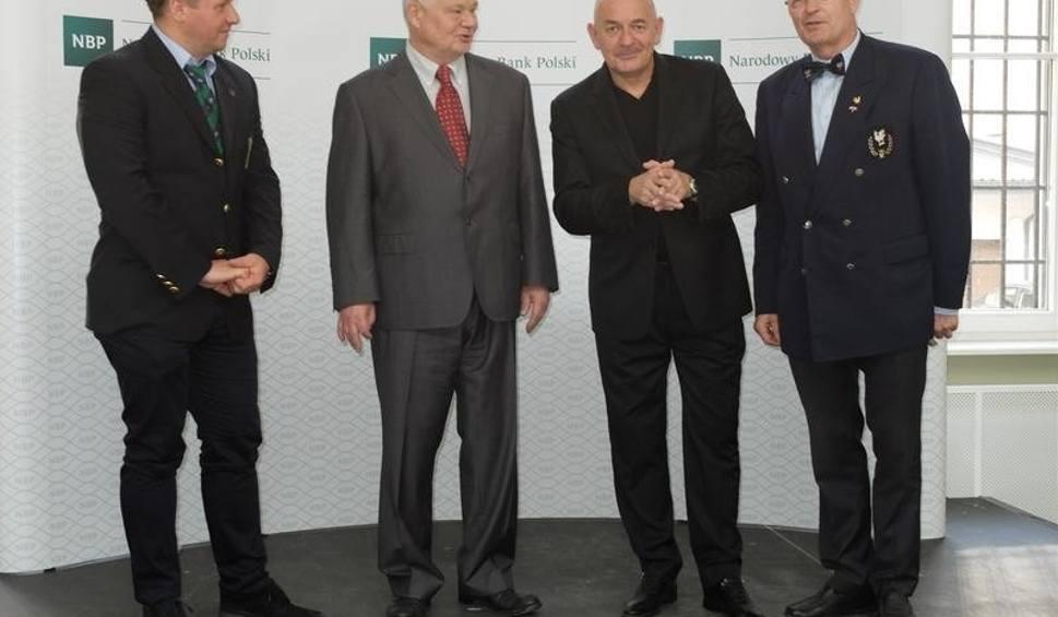 Film do artykułu: Bracia kurkowi w krakowskiej siedzibie NBP
