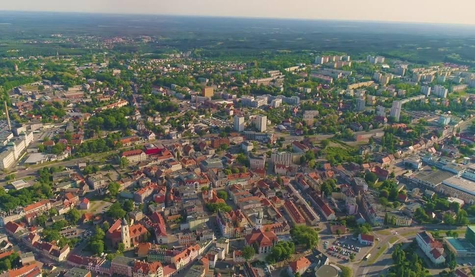 Film do artykułu: Wybierz się z nami na podniebny spacer po Zielonej Górze! Zdjęcia z drona z centrum miasta [WIDEO]