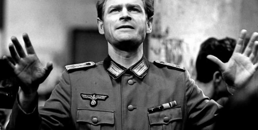 """Stanisław Mikulski jak o Hans Kloss w """"Stawce większej niż życie"""""""