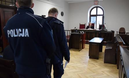21 marca przed sądem zeznawali m.in. dziadkowie Damiana M. mieszkający w pobliżu domu