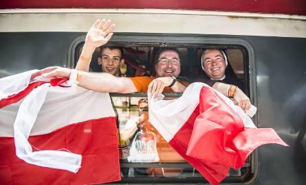 Pielgrzymi przebywający w Toruniu, wyruszyli dziś na główne obchody Światowych Dni Młodzieży do Krakowa. Specjalny pociąg dla wiernych odjechał punktualnie