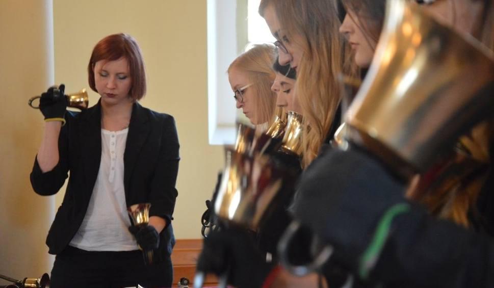 Film do artykułu: Jubileuszowy koncert Zelowskich Dzwonków. Zespół zagrał z okazji swojego 20-lecia [ZDJĘCIA, FILM]