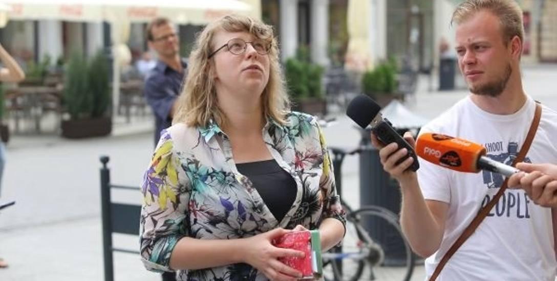 Maria Nowakowska, przewodniczka po łódzkich detalach.