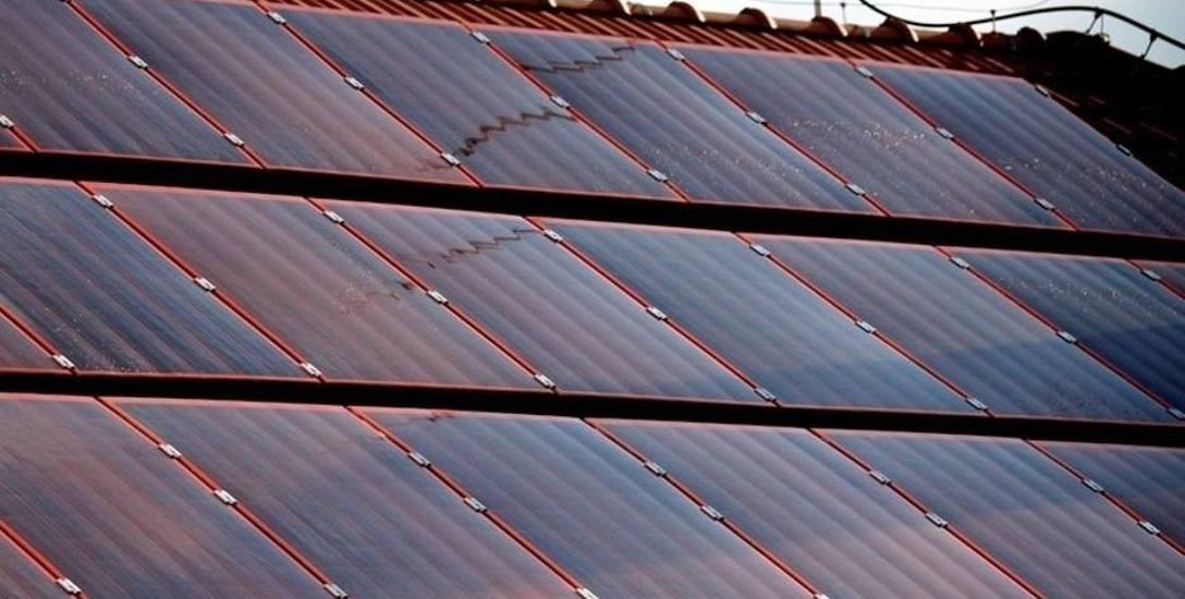 Energia ze Słońca może być receptą na smog i drogi prąd