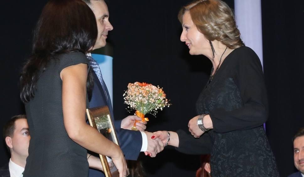 Film do artykułu: Beata Salata, dyrektor II Liceum Człowiekiem Roku w województwie w kategorii Edukacja