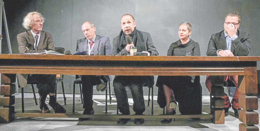 Uczestnicy kongresu obradowali na scenie i widowni Teatru Wybrzeże